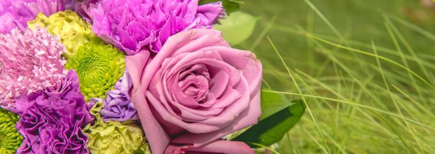 flower-wedding-grass