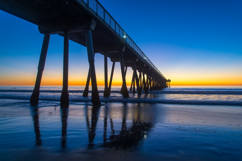 hermosa-beach-pier-blue-sky-sunset