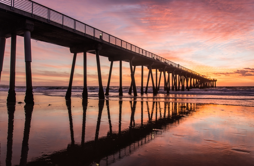 pier-reflection-sunset-pink-hermosa-beach
